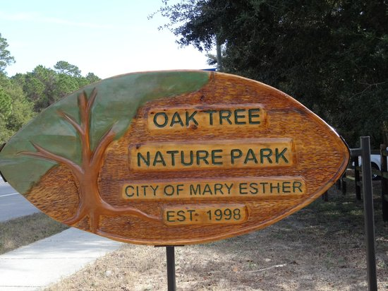 Oak Tree Nature Park: Sign at entrance