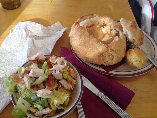 Sam's Smokehouse: Combo soup and salad (extra chicken and extra breadbowl