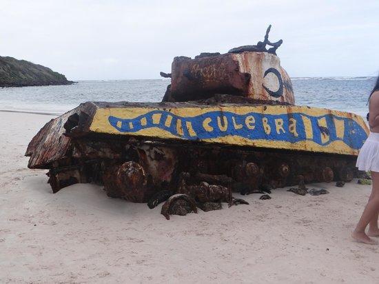 Flamenco Beach: Tank on the beach