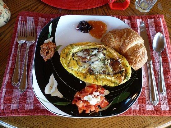 SeaQuest Inn Bed & Breakfast : Stuffed croissant - delicious!