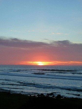 SeaQuest Inn Bed & Breakfast: Spectacular sunset