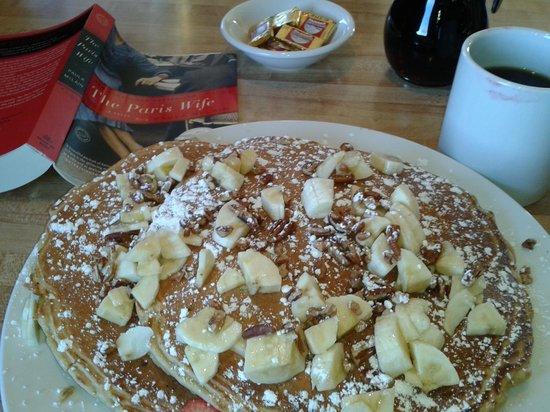 Trinidad Bay Eatery & Gallery: Parker Street Pancakes