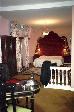 Hotel Negresco: Une autre chambre décorée avec tant de goût