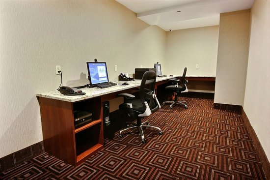 Comfort Inn Staten Island: Business Center