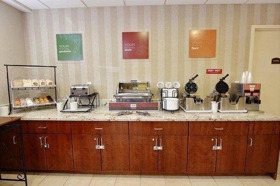 Comfort Inn Staten Island: Breakfast Room