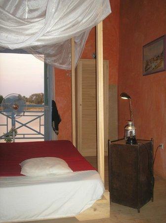 La chambre Ars en Ré avec son balcon face au fleuve
