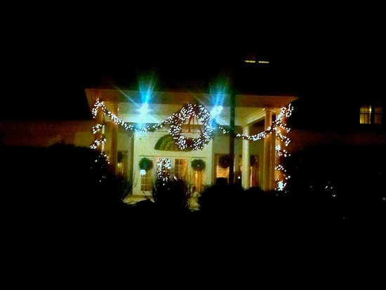 White Mountain Hotel and Resort: Christmas Eve