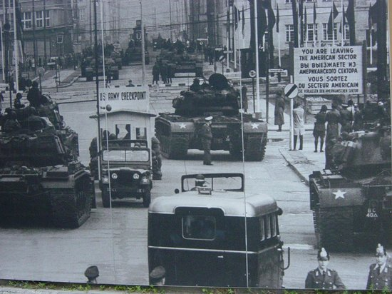 Select Hotel Berlin Checkpoint Charlie: Check point charlie2_foto pareti