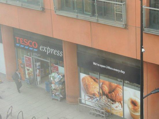 Point A Hotel, London Paddington : Supermercado