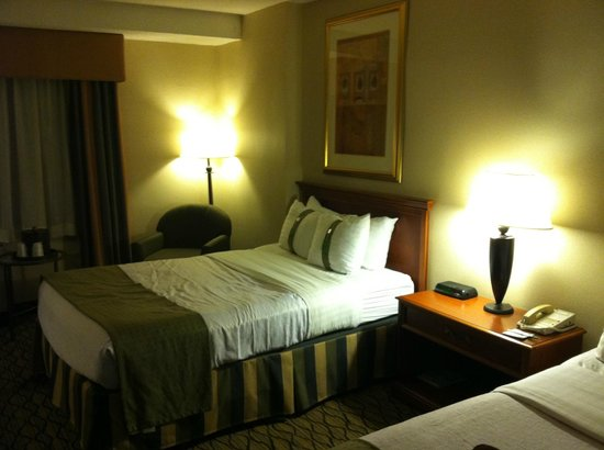 The Watson Hotel: sizable room