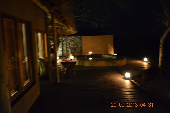 Rhulani Safari Lodge: private dinner on Chalet deck