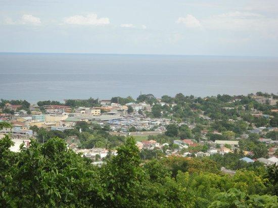 Coyaba River Garden and Museum : view of Ocho Rios