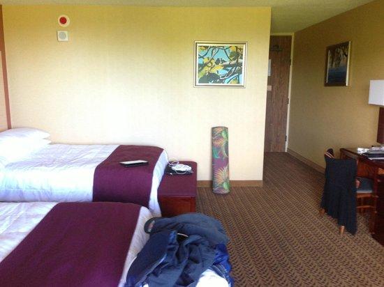 Castle Hilo Hawaiian Hotel: Double queen beds