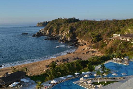 Secrets Huatulco Resort & Spa: Beach area