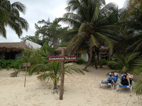 Hotel Cabanas Tulum : view of our room from the beach