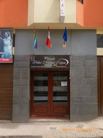 Posada Inka Manco Capac: FRONTIS DE HOSTAL