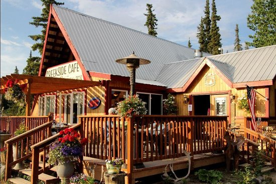 McKinley Creekside Cabins: Good food, atmosphere and company at the Cafe