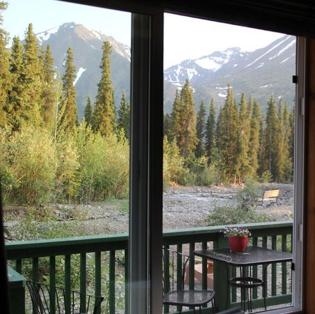 McKinley Creekside Cabins : Summertime view from our cabin bedroom