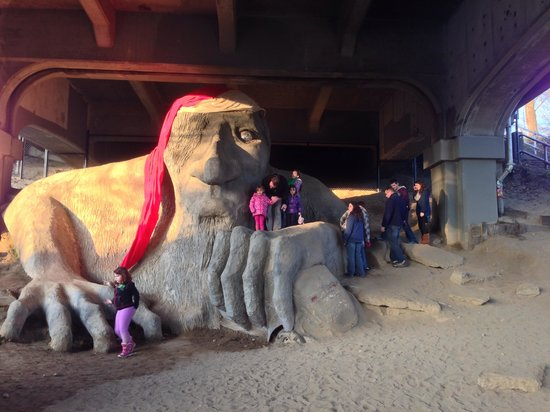 Fremont Troll: Troll decked out for the holidays