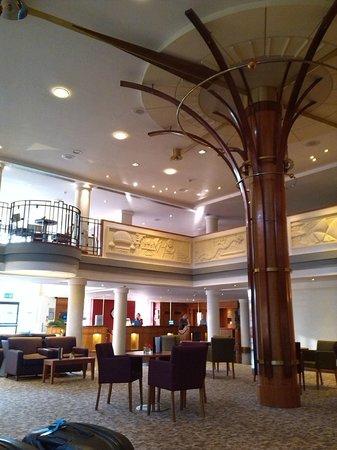 Hilton London Croydon: Hotel reception