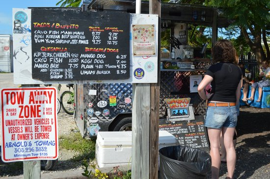 Garbo's Grill: Menu and food cart