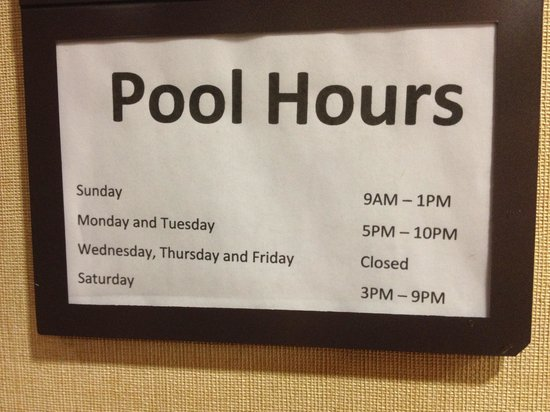 Hyatt Place Herndon / Dulles Airport - East: Pool Hours