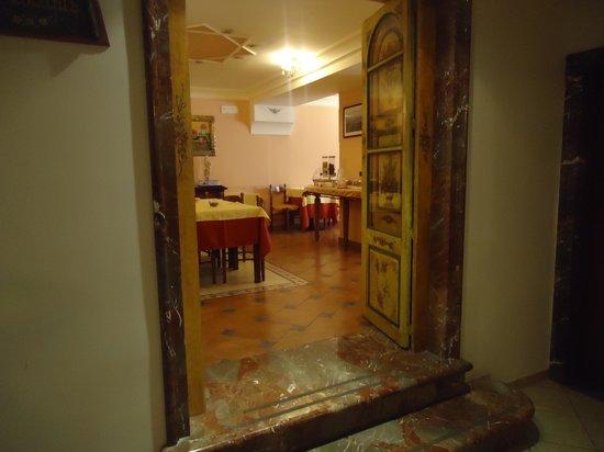 Victoria Hotel: outro ângulo do salão do café