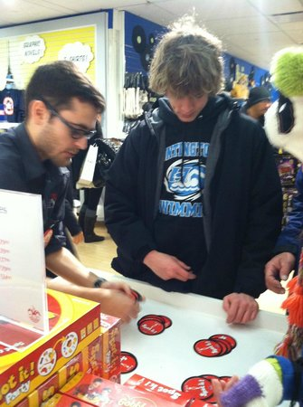 FAO Schwarz: learning a new card game