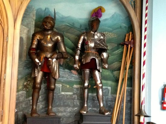 Higgins Armory Museum : Armor for Ceremony and Armor for Jousting