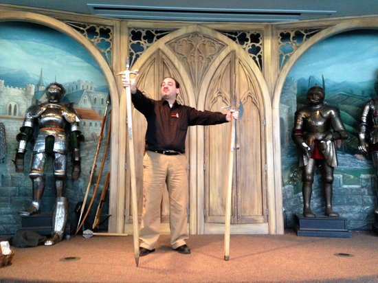 Higgins Armory Museum : Bringing facts and understanding