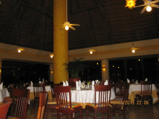 Luxury Bahia Principe Akumal Don Pablo Collection: Buffet