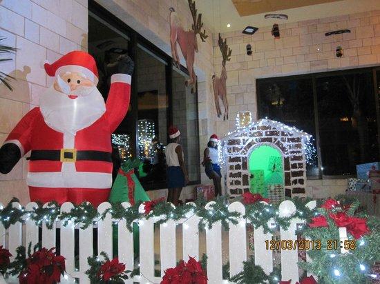 Luxury Bahia Principe Akumal Don Pablo Collection: Elves preparing for Santa in Akumal lobby