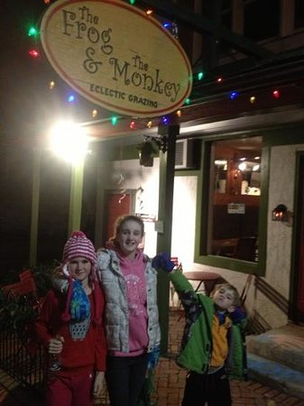 The Frog & the Monkey : Leah's 10th bday dinner