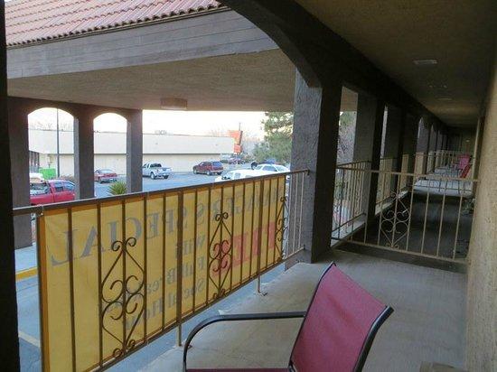 Best Western Airport Albuquerque InnSuites Hotel & Suites : Balcony