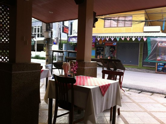 Kamala Dreams: The restaurant at the entry to the hotel (3)