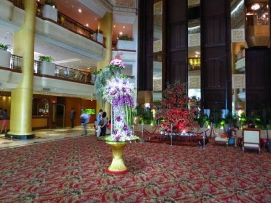 The Emerald Hotel : lobby