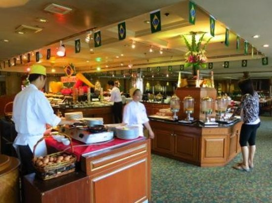 The Emerald Hotel: breakfast