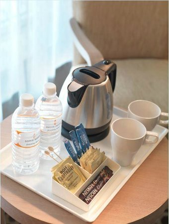 Sama Sama Express KL International Airport: Complimentary Coffee & Tea Facilities
