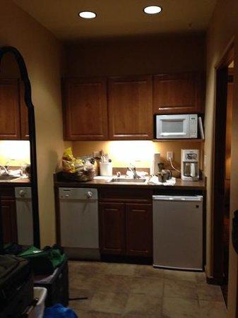 Worldmark by Wyndham Taos: kitchenette