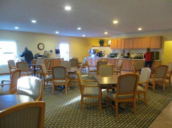 Best Western Pine Springs Inn: breakfast room