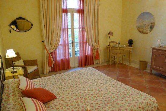 Mas de l'Oulivie: Room with terrace