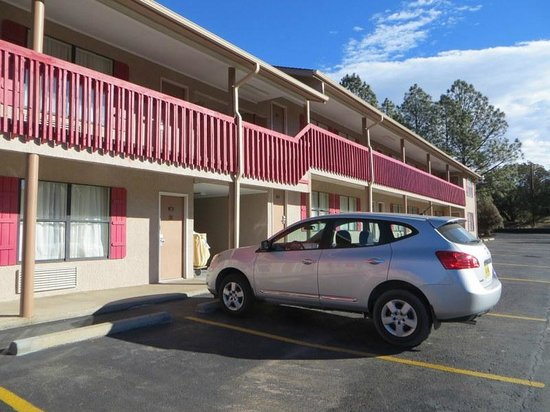 Best Western Pine Springs Inn: room 223 location in front of our car