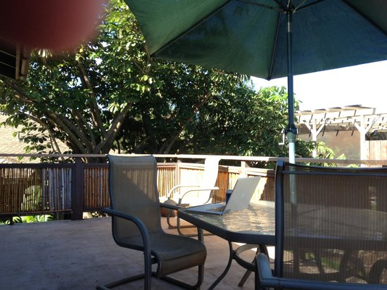Spyglass Maui Rentals: Deck at the Bicycle Room