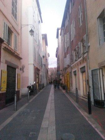Le Panier : Rue typique