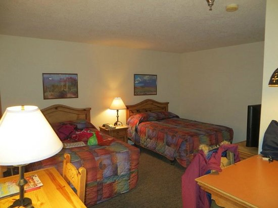 The Santa Fe Suites: bedroom