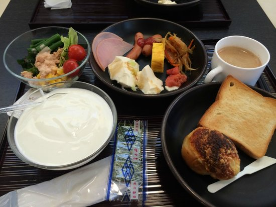 Candeo Hotels Ueno-Park: 飯店早餐