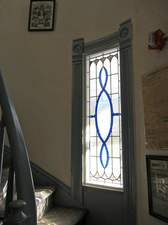 Snow Queen Lodge: Victorian Stair Well