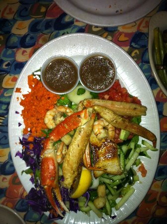 Bonefish Willy's Riverfront Grille: Fisherman's Salad