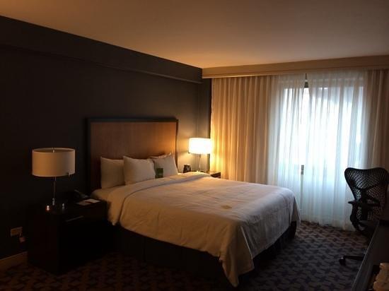 Hilton Garden Inn Times Square : Corner room
