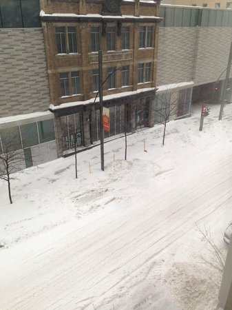 Embassy Suites by Hilton Montreal : View of street from our room